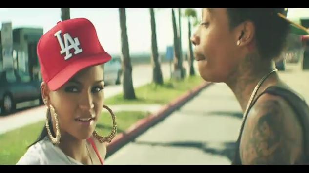 | Wiz Khalifa Roll Up official music video |